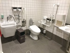 WC4  チェントロ多目的トイレ